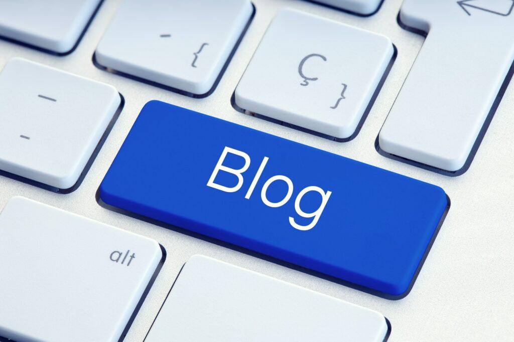Blog Word on blue computer Key
